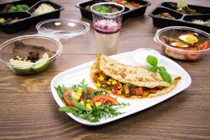 Dietetyczna tortilla z mięsem i warzywami